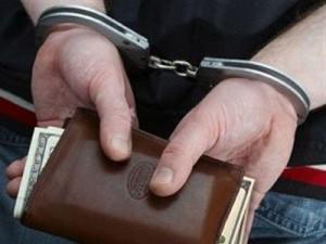 В Смоленске бывший офицер-финансист осужден за мошенничество