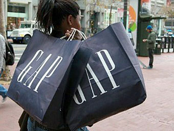 Сеть GAP закроет сотни магазинов в США