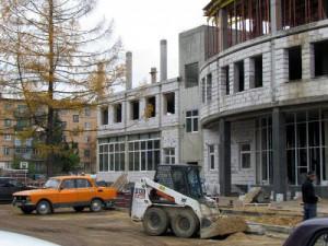 Строительство дома-ладьи в Гагарине идет по графику