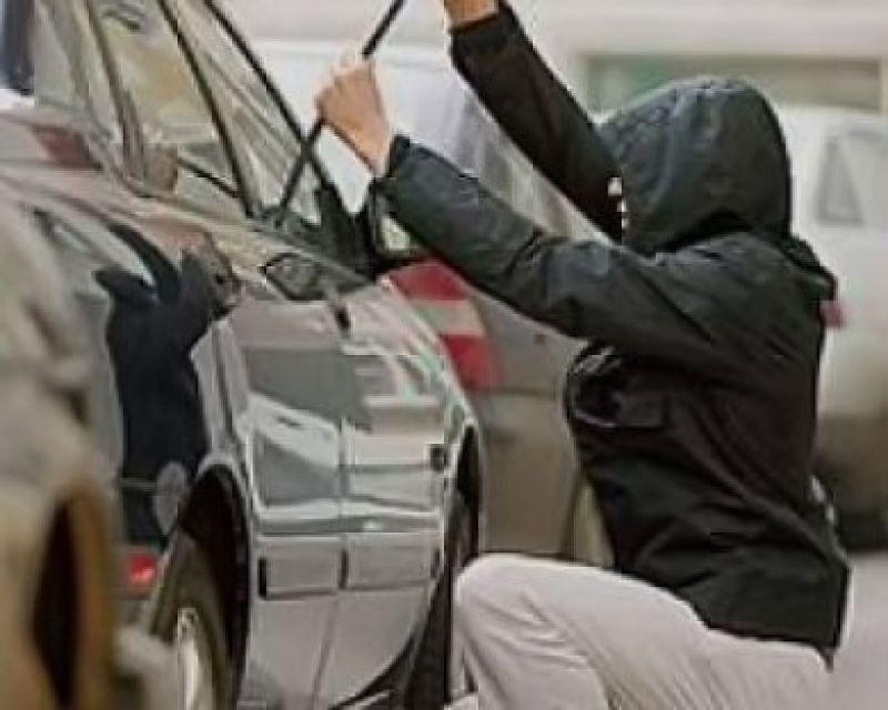 Смоленская полиция задержала студентов, совершивших 7 неудачных попыток угона автомобилей