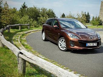 Стали известны российские цены на обновленную Mazda3