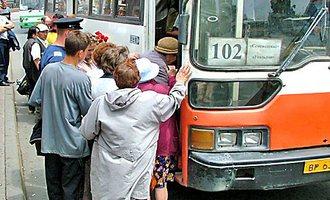 Девять «дачных» автобусов отменили