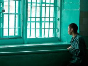 Психопата, чуть не застрелившего врача, освободили от уголовной ответственности