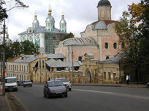 На 2 центральных улицах Смоленска изменили разметку