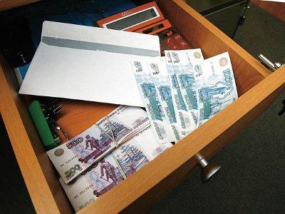 Смоленские чиновники пишут законы, создающие условия для коррупции