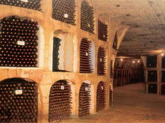 Поставки молдавского вина в Россию временно прекратились