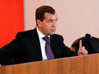 Медведев назвал причины ДТП в России