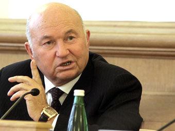 Лужков пришел на допрос в МВД
