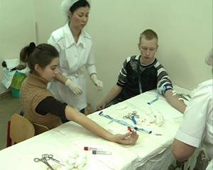 Студенты Смоленского госуниверситета провели акцию по сбору крови