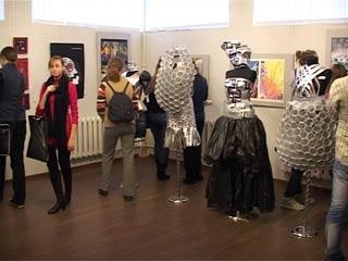 Смоленские дизайнеры открыли выставку абстрактного искусства