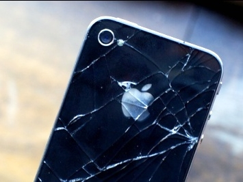 В Сирии запрещено использование iPhone