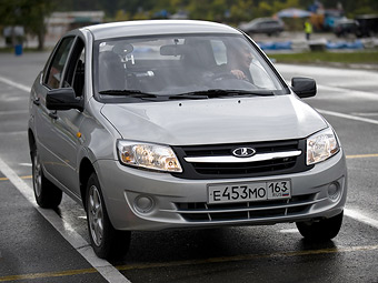 Продажи седана Lada Granta в СНГ начнутся в 2012 году