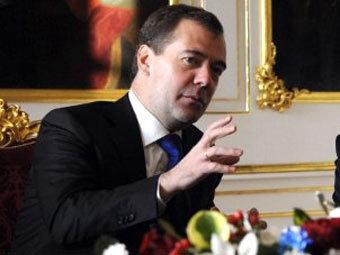 Медведев распорядился расследовать нарушения на выборах