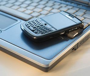 Смартфон поймали на слежке за владельцем