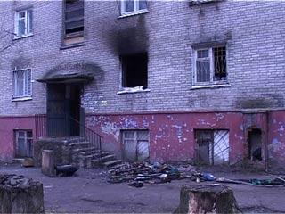 В Смоленске жильцы пострадавшего от пожара дома вынуждены делать ремонт своими силами