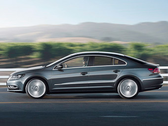 Volkswagen назвал российские цены на обновленный Passat CC