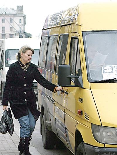 Смолян возили на сломанных автобусах