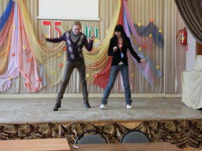 Глухой чемпион мира дал воспитанникам интерната мастер-класс по танцам