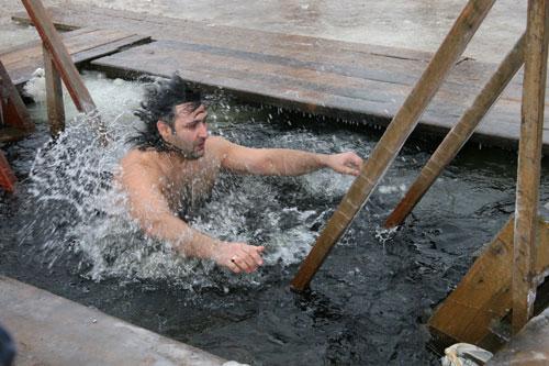 На Смоленщине официально утвердили три десятка мест для крещенских купаний