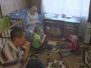 Смоленский ветеран Афганистана почти 10 лет вынужден ютиться с семьей в общежитии