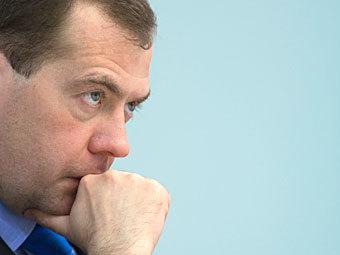 Медведев дал менеджерам госкомпаний три месяца на раскрытие доходов