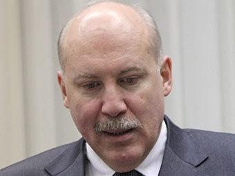 Последний кандидат в президенты РФ доставил подписи в ЦИК