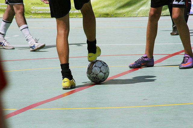 В Смоленске проходит открытый детско-юношеский турнир по футболу