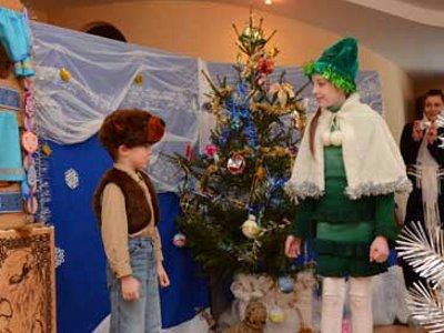 Юные смоленские актеры показали рождественский спектакль в Витебске