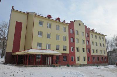 Глава региона посетил реконструированную детскую поликлинику в Вязьме