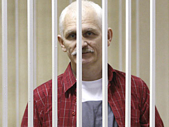 В пользу белорусского правозащитника собрали 90 тысяч долларов