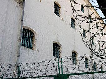 Число зашивших рты заключенных в Киргизии превысило тысячу