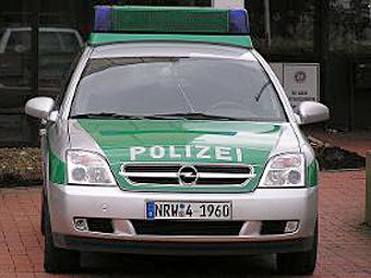 Немецкий полицейский 22 года водил служебную машину без прав