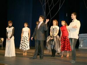 Гимназисты показали рождественский спектакль на сцене смоленской драмы