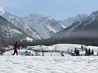 В баварских Альпах объявлена угроза схода снежных лавин