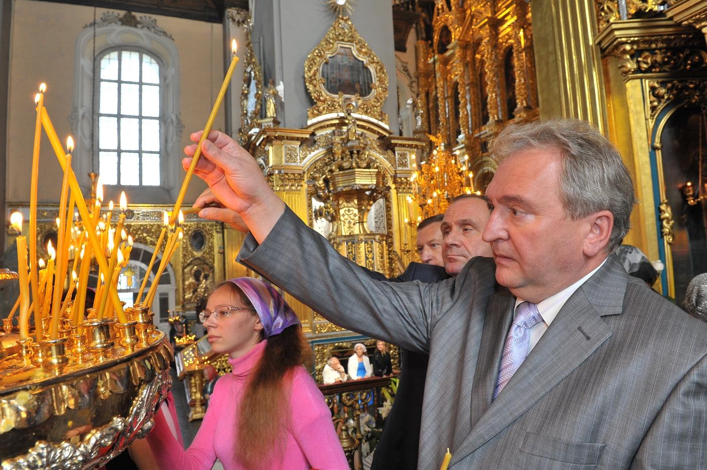 Губернатор принял участие в рождественском богослужении