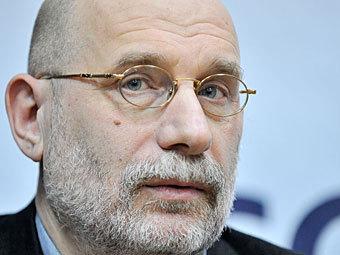 Борис Акунин предложил провести праймериз оппозиции