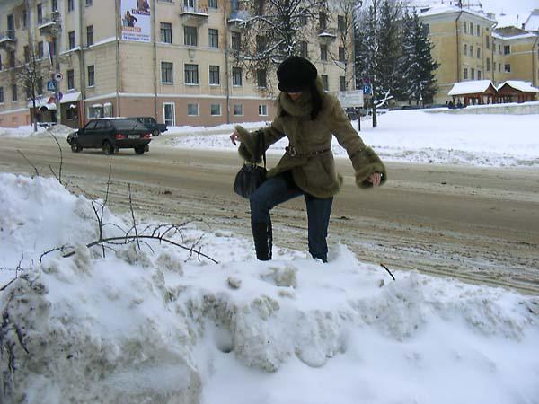 Коммунальные службы Смоленска обещают справиться со снежными завалами за сутки