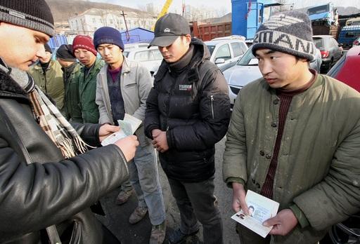 Восемь иностранцев выдворены из Смоленской области на родину