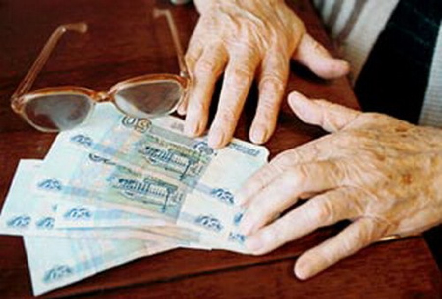 Не сумев одолжить 100 рублей, смолянин ограбил пенсионерку