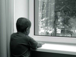 Смоленские сироты так и не дождались ремонта жилья