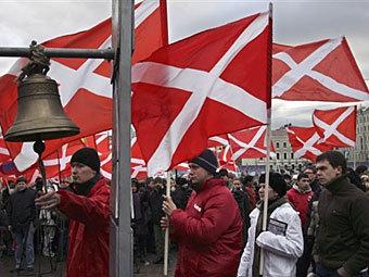 «Наши» выведут на улицы Москвы 20 тысяч человек в день выборов