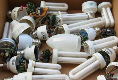 Роспотребнадзор напомнил о необходимости наладить сбор энергосберегающих ламп