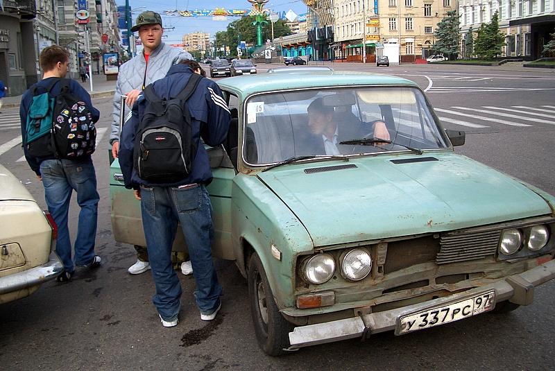 В Вязьме начали отлавливать нелегальных таксистов