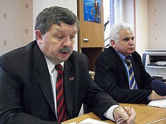 Еще двум белорусским оппозиционерам запретили выезд из страны