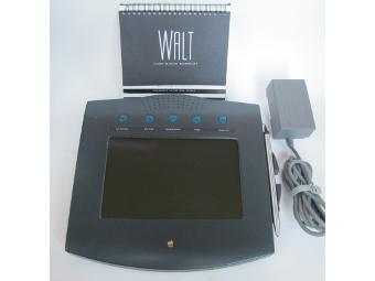 Телефонную приставку Apple 1993 года выставили на eBay