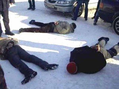 Напавшие на селян-пенсионеров цыгане тут же попались в руки полицейских