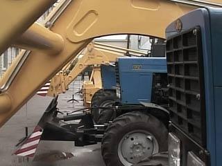 Региональные власти планируют создать в Смоленске тракторный завод