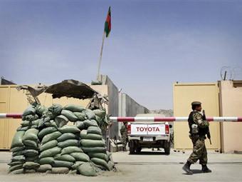 Вывоз наличной валюты из Афганистана приблизился по объему к госбюджету