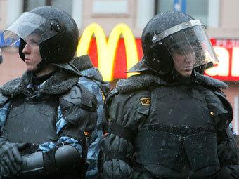 СМИ узнали о переброске шести тысяч омоновцев в Москву