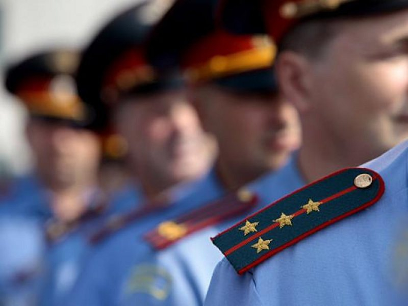 Смоленских полицейских осудили за избиение прохожего